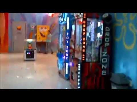 Baki: alış-veriş mərkəzi. Modern Shopping Center walk to shops (Azerbaijan,Baku) ショッピングセンター