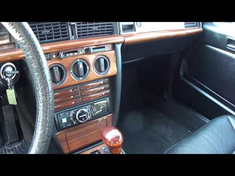 Mercedes w201 190d 2 5 diesel cold start funnydog tv for Interieur mercedes 190