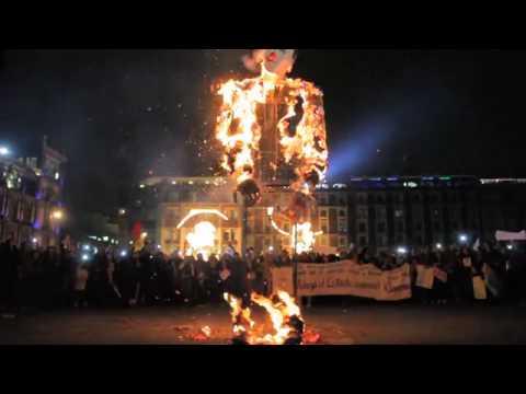 Video del CUEC UNAM en la marcha por Ayotzinapa