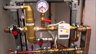 Узел фильтрации и умягчения воды. Мини ТП в квартире(Смотрите еще видео СМ: Лазурный радиаторы http://youtu.be/2XAn_k4k1pk Видео выполненных работ на сайте www.sanmast.com., 2014-03-20T14:36:32.000Z)