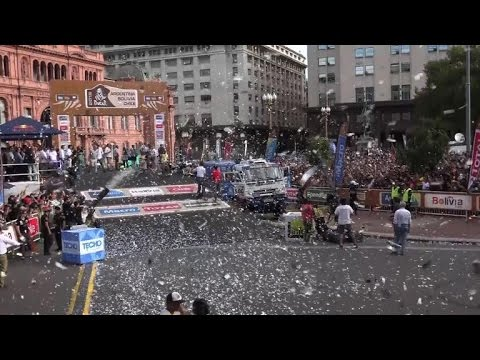 Grand parade in Buenos Aires for Dakar hopefuls