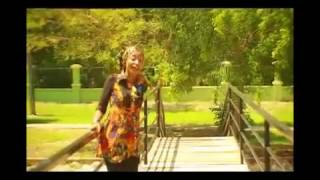 Download Video Sirrin dake Raina Ali nuhu & Rahama sadau MP3 3GP MP4