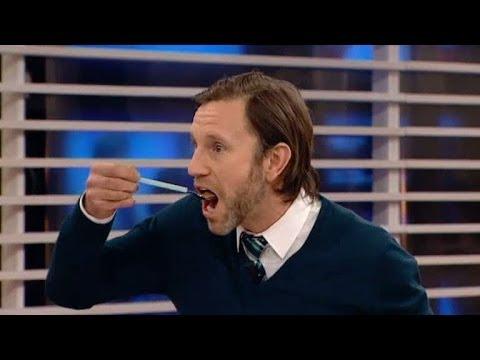 """Här antar Peter Jihde """"The cinnamon challenge"""" - Nyhetsmorgon (TV4)"""