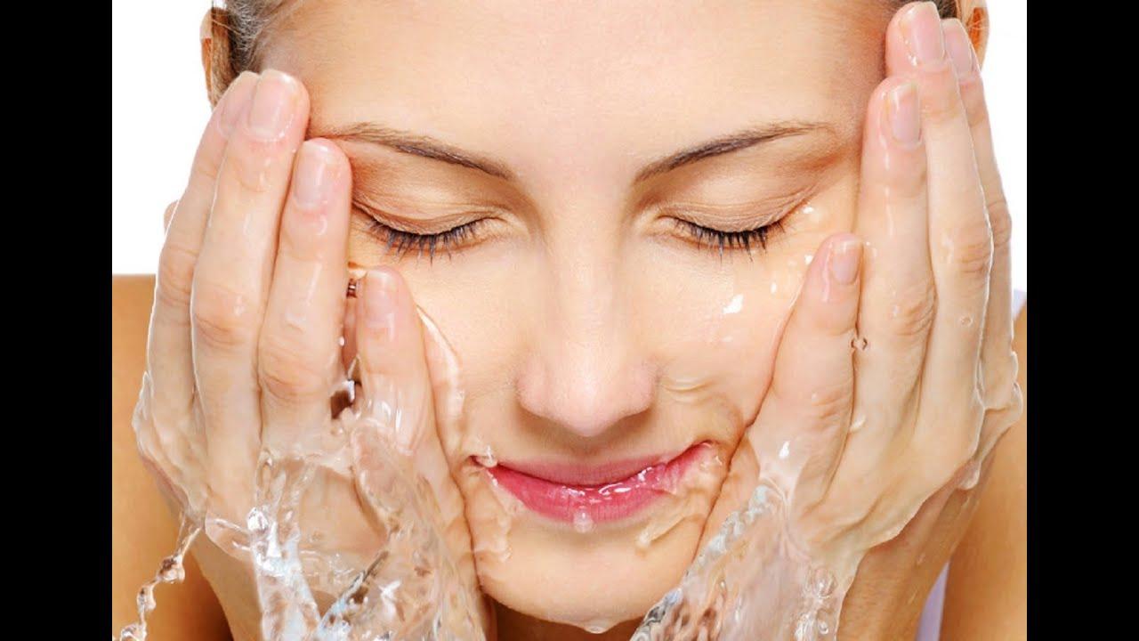 Rửa mụn - 7 Cách Trị Mụn Cho Da Dầu