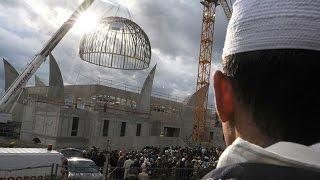 Ужас ! Строительный кран упал  на мечеть аль-Харам в Мекке(новости #событие #вмире #политика Нехай Марійка посміхнеться! https://ubb.org.ua/uk/project/1700/#tabs-1 Число жертв обрушени..., 2015-09-11T23:39:44.000Z)