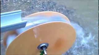 Wasserrad mit Nabendynamo