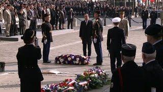 Cérémonies du 11 novembre à l'Arc de Triomphe