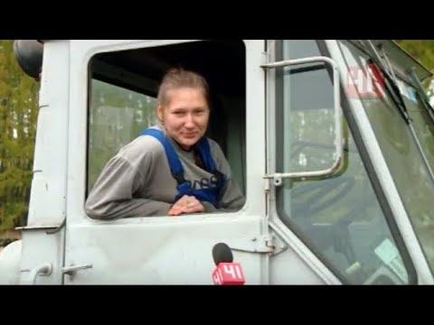 Девушки за рулем. Трактор, фура, Газель и рейсовый автобус - Видео онлайн
