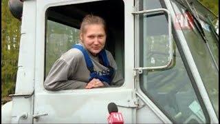 Девушки за рулем. Трактор, фура, Газель и рейсовый автобус