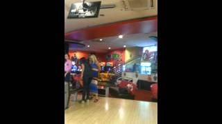 Gambar cover Dilek Güler bowling 😂