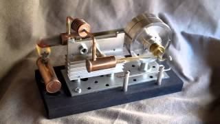Stirling engine alpha - stirlingmotor - moteur Stirling - recicled materials
