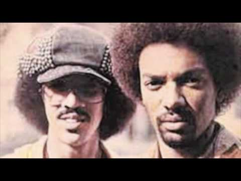 The Brothers Johnson - Right On Time (Video)