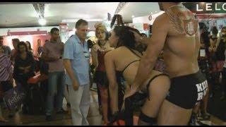Momento Sexy na 19ª Erotika Fair (Parte 1/3)