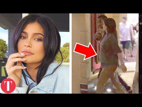 20 Pictures That Prove Kylie Jenner Is DEFINITELY Pregnant