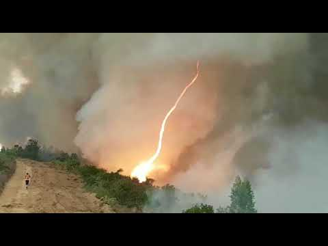 """Firefighters Film """"Fire Tornado"""" During Wildfires In Portugal"""