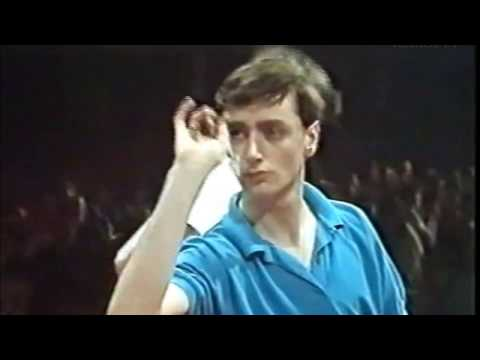 Sean Bell vs Mark Day 1987 Winmau World Masters Youth Final