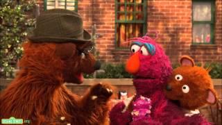Sesame Street: Season 43 Sneak Peek - Baby Bear Comes Clean 2017 Video