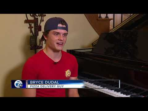 Hungry Howie's delivery driver shows off insane piano skills at Sterling Heights home