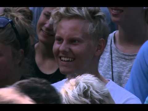 Niels Hausgaard som surprise i Stand-up for Skanderborg på Smukfest 2015
