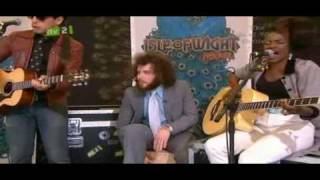The Noisettes - Never Forget You (Isle of Wight acoustic)