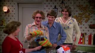 that 70's show without a laugh track .the garage sale.