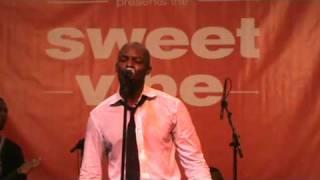 "R&B Artist, Joe performs ""I Wanna Know"" Live at the Essence Music Festival, 2009"