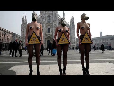 Christmas: 1000s PETA Young Naked Girls Asking U To Stay Cruelty Free This Holiday Season thumbnail
