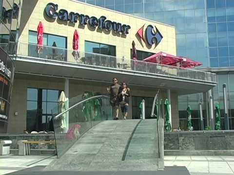 SLOVAKIA-BRATISLAVA  AND DEVIN CASTLE  - Vietnamese and Nashville TV