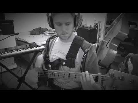 Petit groove with slap fill