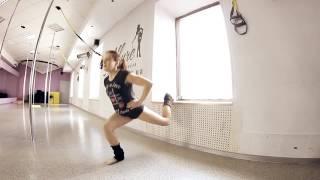 Новое суперэффективное упражнение для ног и ягодиц от тренера Виктории Титаренко
