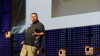 Ramon de Leon, Social Media Marketer at Dominos Pizza Energizes the Stage at LeWeb Paris 2012(In this high energy talk, Ramon shares how he's created amazing customer experiences for people using social media., 2012-12-06T09:40:48.000Z)