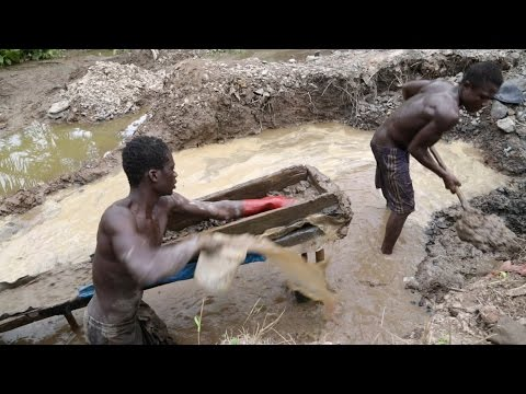 Ghana's gold diggers: Land and rivers laid to waste