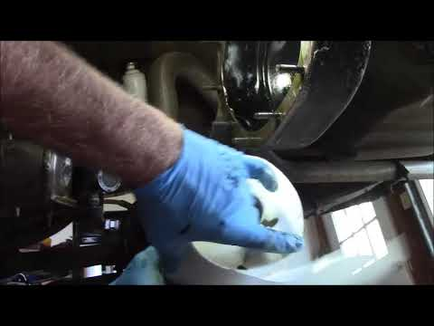 cleaning the Ford 8 inch rear axle housing