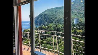 Продаю дом с видом на море в центральном Сочи за 15 млн. Панорамное остекление. 270 кв.м. Видовой.