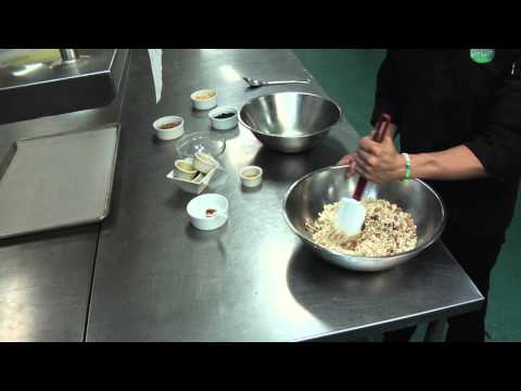 How To Make Homemade Granola Using Rolled Oats & Agave : Baking Cookies & More