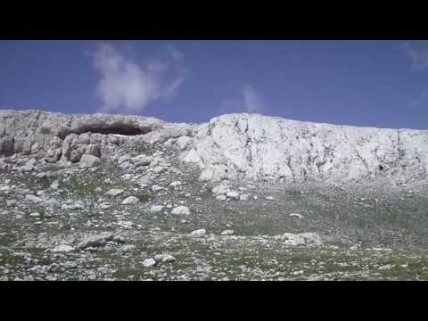 Altare dello stincone 2.413 m. - cima dell'altare 2.542 m. ( parco della majella )