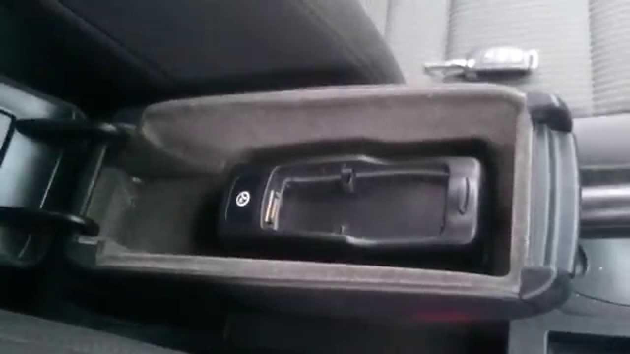 Audi A4 B7 Wypinanie Uchwytu Na Telefon Youtube