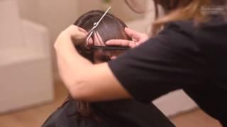 Lekka i kobieca fryzura z odrobiną nieładu artystycznego