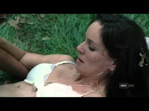 Sarah Wayne Callies The Walking Dead Kiss And Hot Scenes