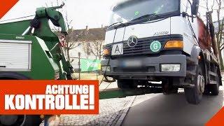 Abschleppen XXL: Schrott-LKW wird aus dem Verkehr gezogen! | Achtung Kontrolle | Kabel Eins