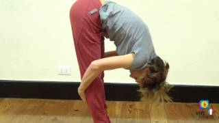Étirement pour les muscles du dos et des jambes