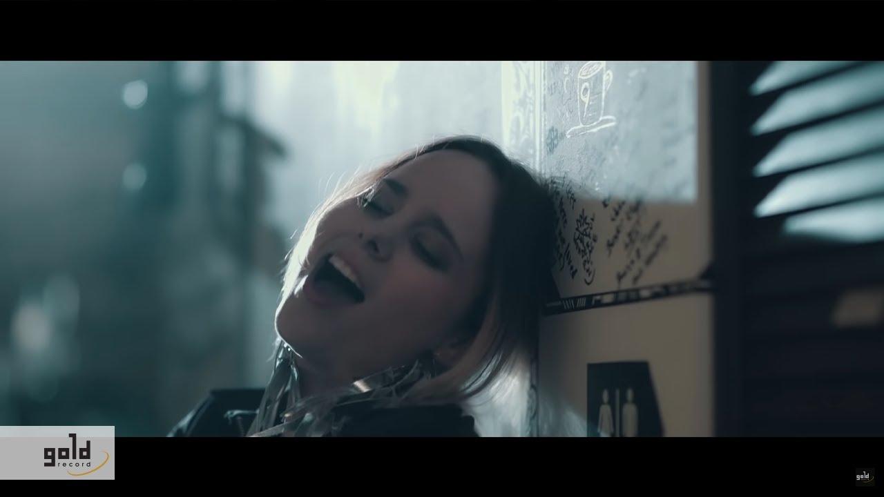 honeybeast-igy-jatszom-official-music-video-rebel-music-hungary