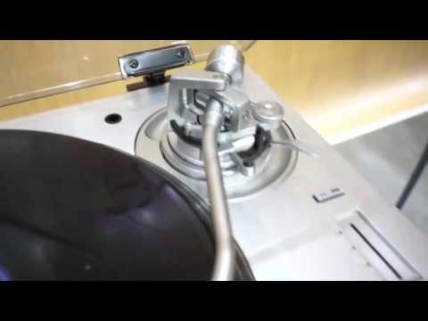 New turntable Technics SL-1200 GAE VIDEO