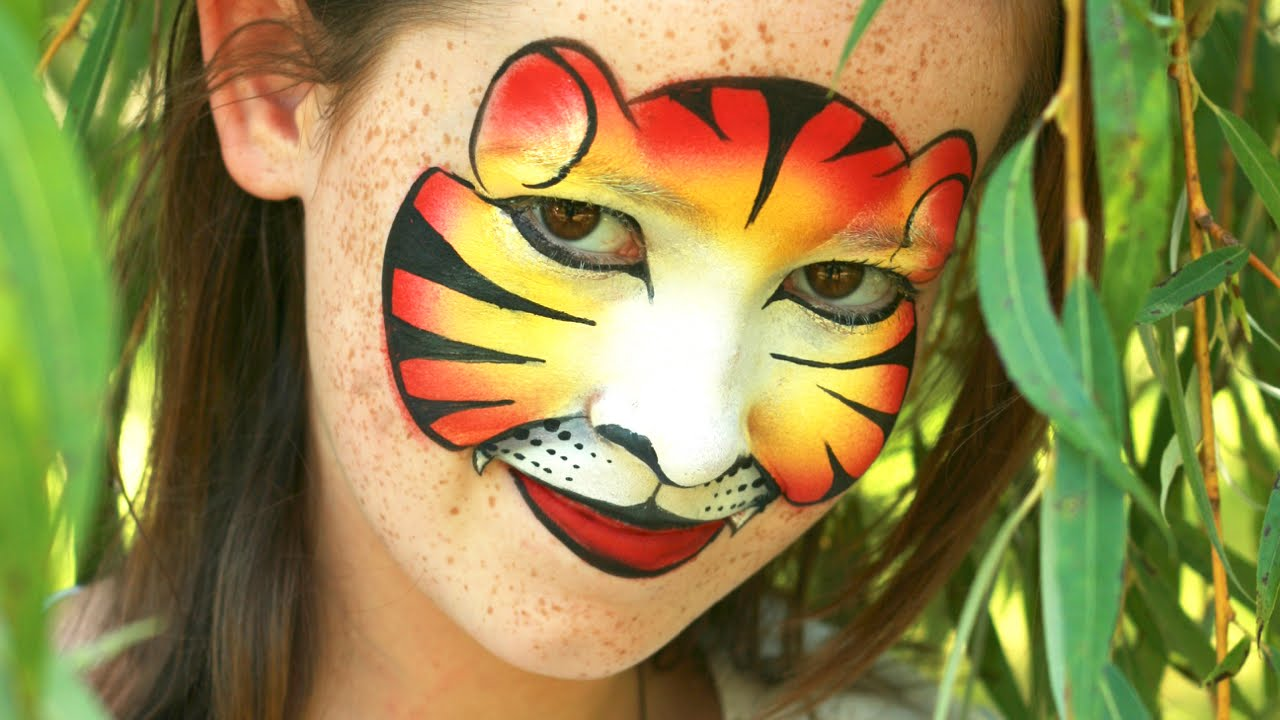 Tiger face painting mask tutorial - Tigress makeup made with just one split  cake!