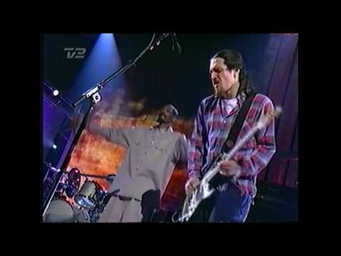 Red Hot Chili Peppers ft. Snoop Dogg - Scar Tissue @ Billboard Music Awards 1999