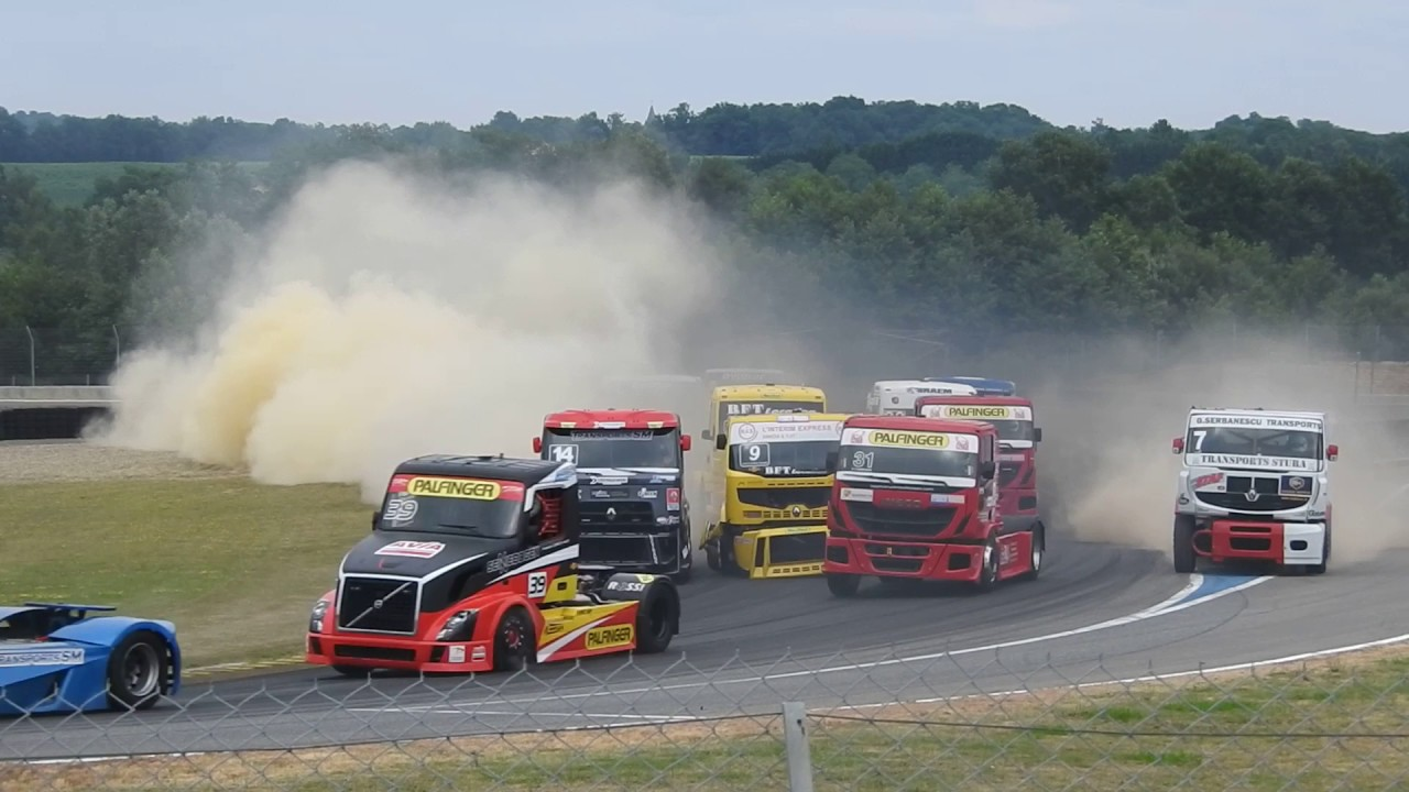 impressionnant d part course 2 grand prix camion nogaro 2017 youtube