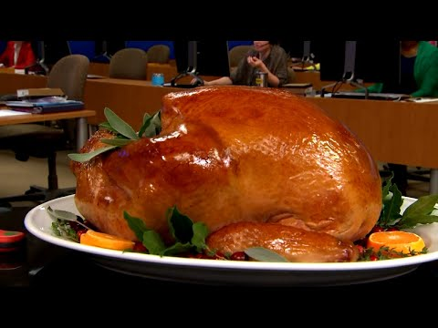 Crazy Things Some People Do to Defrost Their Turkeys