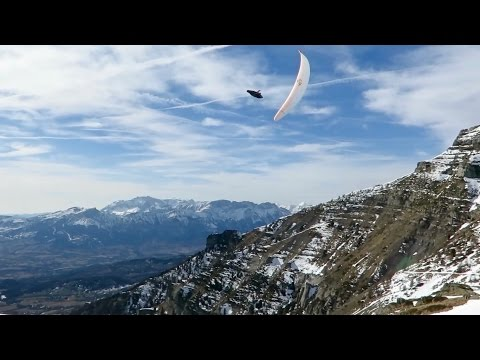 Playing with energy | Paragliding in the Alps