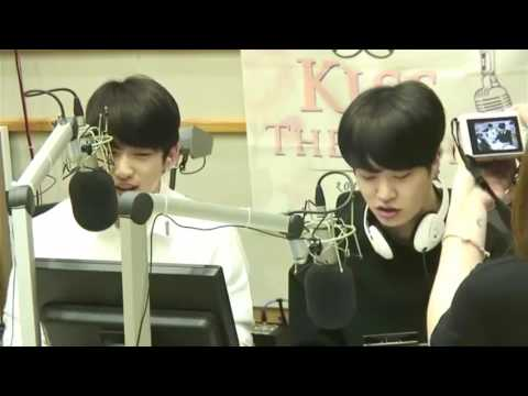 DEAN - D (half Moon) Opened By Jinyoung And Youngjae Of GOT7