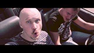 Видеооператоры в Москве на кабриолете снимают свадьбу